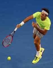 Federer se antrenează pe hard, cu trei săptămâni înainte de Roland Garros