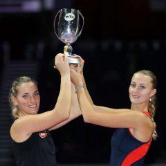 Kristina Mladenovic şi Timea Babos, învingătoare la dublu în Turneul Campioanelor